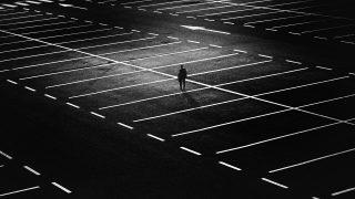 С парковки у аэропорта Гэтвик исчезли машины авиапассажиров