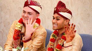 Недавно вступившая в брак пара мусульман-геев стала объектом интернет-травли.