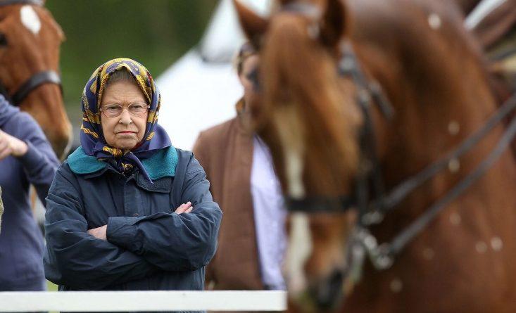 Досуг: Топ-10 фактов о королеве Великобритании Елизавете II