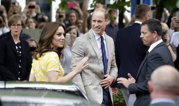 Знаменитости: Принц Уильям сженой попытались узнать спойлеры уактера из «Игры престолов»