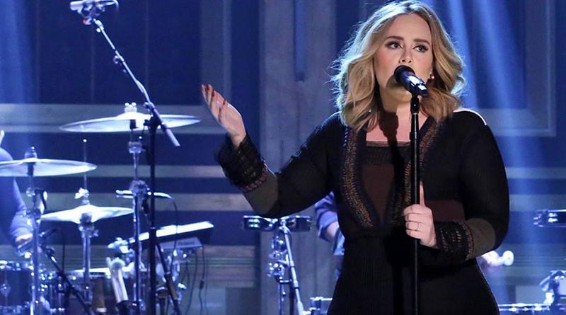 Знаменитости: Адель отменила два концерта в Лондоне из-за проблем с голосом