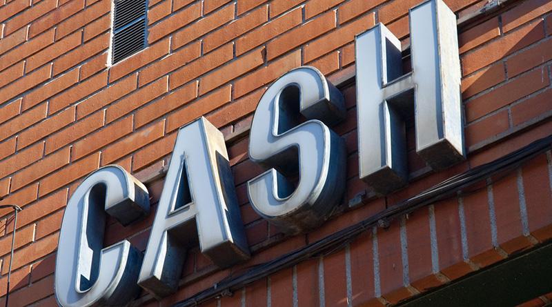 Бизнес и финансы: Заплатить за мойку окон наличными в скором времени будет невозможно
