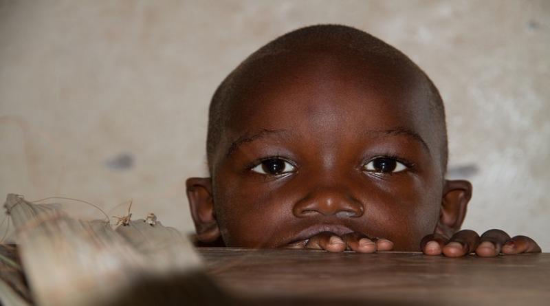 В мире: Франция намерена ограничить поток мигрантов из Африки