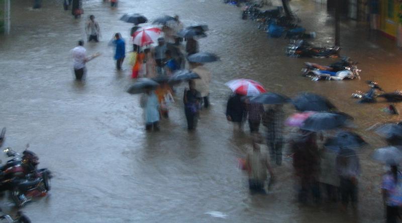 Погода: Великобританию ждут наводнения и суровые зимы