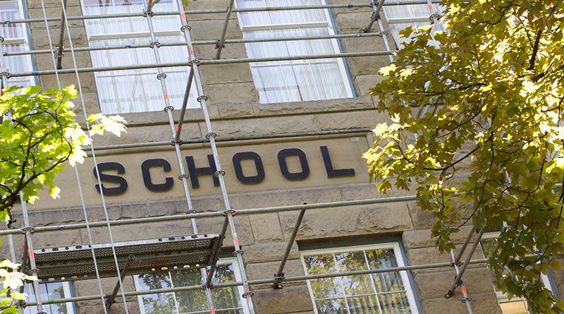 Общество: В британских школах разрешили штрафовать опаздывающих родителей