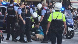 Теракт в Барселоне: микроавтобус на скорости въехал в толпу людей (видео, 18+)