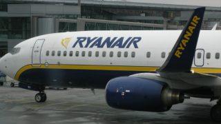 Ryanair требует запретить продажу алкоголя в аэропортах