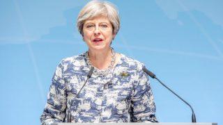 Британское правительство планирует перекрыть иммигрантам доступ к пособиям