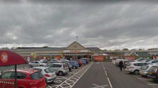Двоих подростков закрыли на ночь в супермаркете