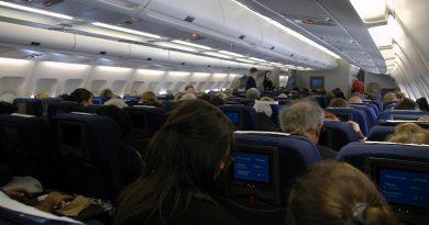 Британские законодатели намерены успокоить пьяных авиапассажиров