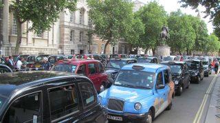 Uber лишен лицензии на работу в Лондоне