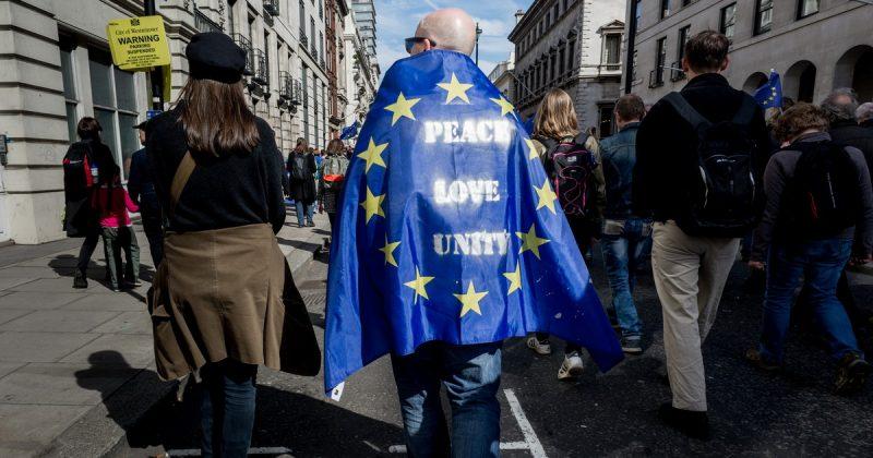 Политика: Гражданам ЕС сохранят их права в Великобритании после Brexit