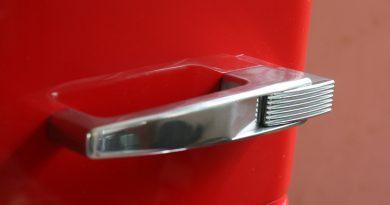 Британцев призывают отказаться от пожароопасных холодильников