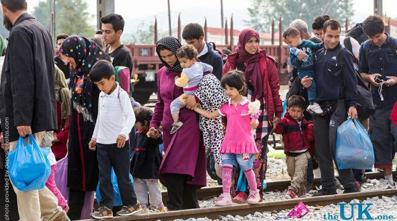 Политика: Мигранты, приезжайте к нам, в Британию!
