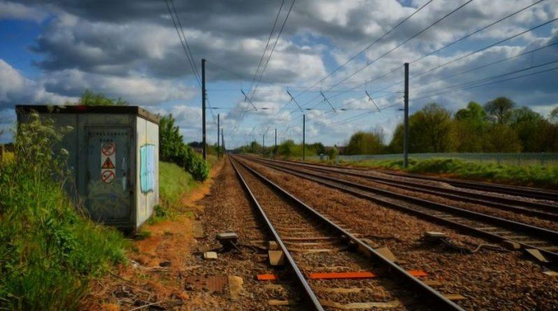 Общество: Поезда перестанут сбрасывать нечистоты на пути