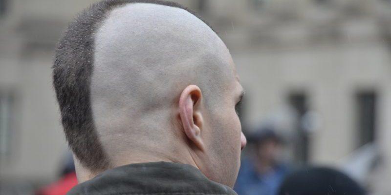Общество: Неонацистов обвиняют в покушении на депутата Рози Купер