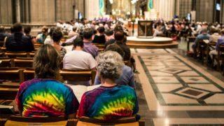 Церковный синод Англии обсудит возможность благословения гомосексуальных пар
