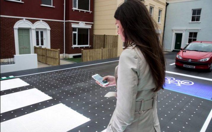 """Технологии: В Лондоне тестируют """"умную зебру"""" для пешеходов"""