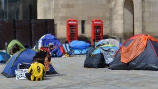 Бездомных британцев собираются штрафовать на £1000