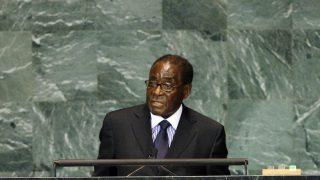Зимбабве: Мугабе свергнут, кризис развивается