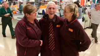 Самый пожилой работник супермаркета в Британии умер спустя два месяца после ухода на пенсию