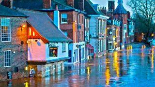 Наводнения парализовали Ланкашир