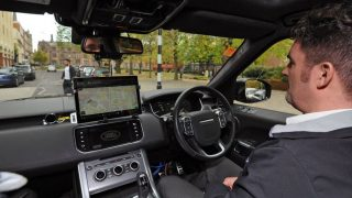 В Ковентри испытали беспилотные автомобили на обычной магистрали