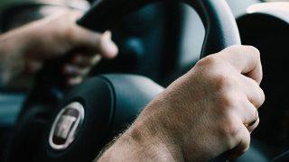 Британский таксист совершил наезд на студента... уснувшего на дороге