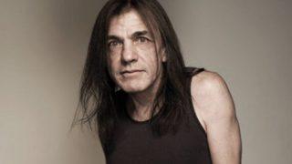 Основатель AC/DC Малькольм Янг умер в возрасте 64 лет