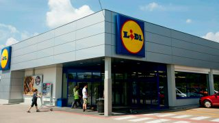 Cистема парковки Lidl штрафует покупателей на £90