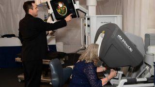 Британских мужчин спасают от рака хирурги-роботы