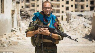 Британец, воевавший против ИГ, считает невозможным возвращение джихадистов домой