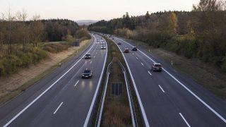 Почему превышение скорости на шоссе может стоить вам £3 тысячи