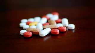 Британская NHS закупала лекарства по чрезмерно завышенным ценам