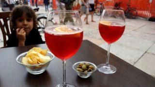 Законно ли давать детям алкоголь?