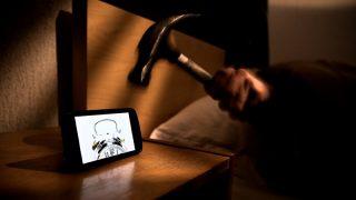 Мобильные телефоны под подушкой могут вызвать рак