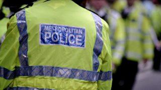 На лондонской дороге женщина четырежды подряд попала под колеса авто