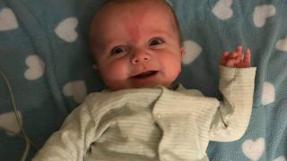 NHS спасла жизнь младенца, оплатив операцию на сердце стоимостью £150 тыс.