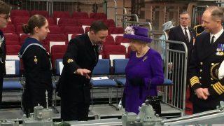 Королева Елизавета II и Хиллари Клинтон – законодательницы моды 2018 года