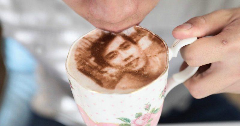 Досуг: Лондонское кафе предлагает попробовать селфи-капучино