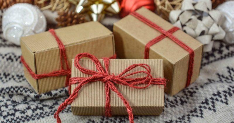 Общество: Бездомный принес подарки сотрудникам общежития, которые спасли ему жизнь