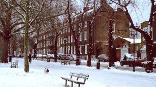 Снегопад и гололедица на дорогах Лондона могут парализовать движение транспорта