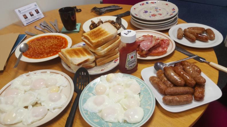 Общество: Вегетарианцы возмущены завтраком британских полицейских