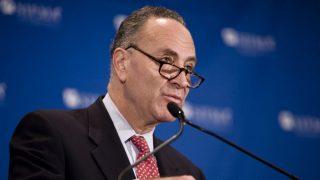 Правительство США приостанавливает свою работу после провала в принятии нового бюджета