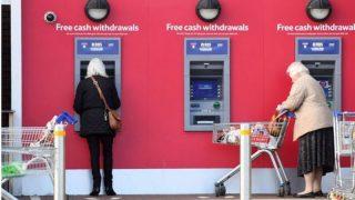 Активисты опасаются закрытия банкоматов в удаленных районах Великобритании