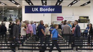 Home Office выставляет из страны мужчину без гражданства