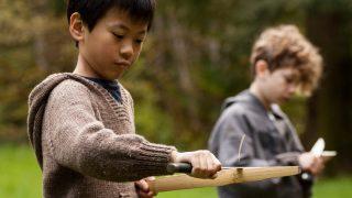Английским детям прочитают лекции об опасности холодного оружия