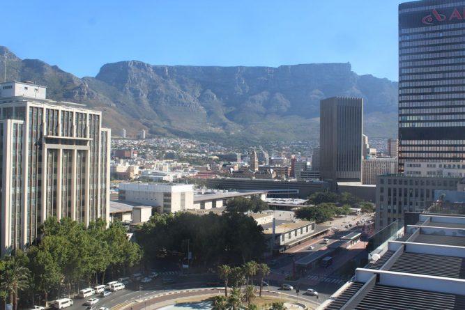 Происшествия: Пожилых британцев ограбили в ЮАР
