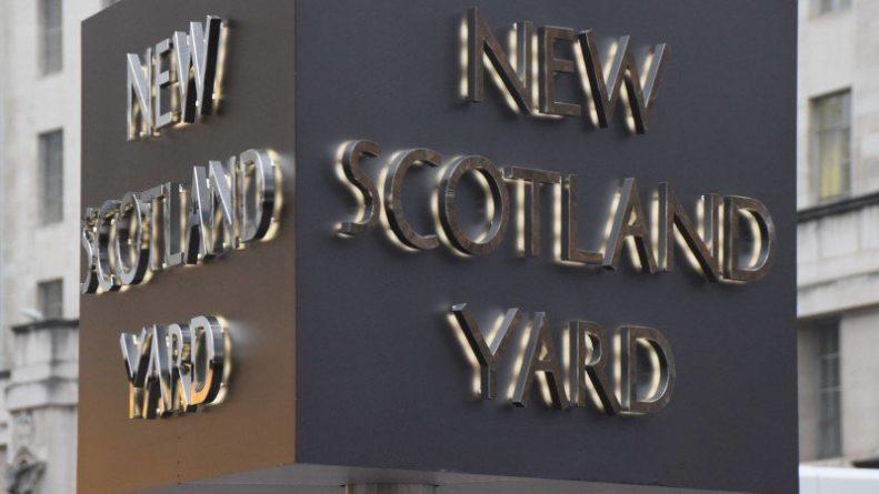 Происшествия: Четыре молодых человека убиты в новогодней ножевой потасовке в Лондоне