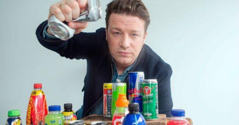 Общество: Джейми Оливер призывает правительство запретить продажу энергетических напитков детям
